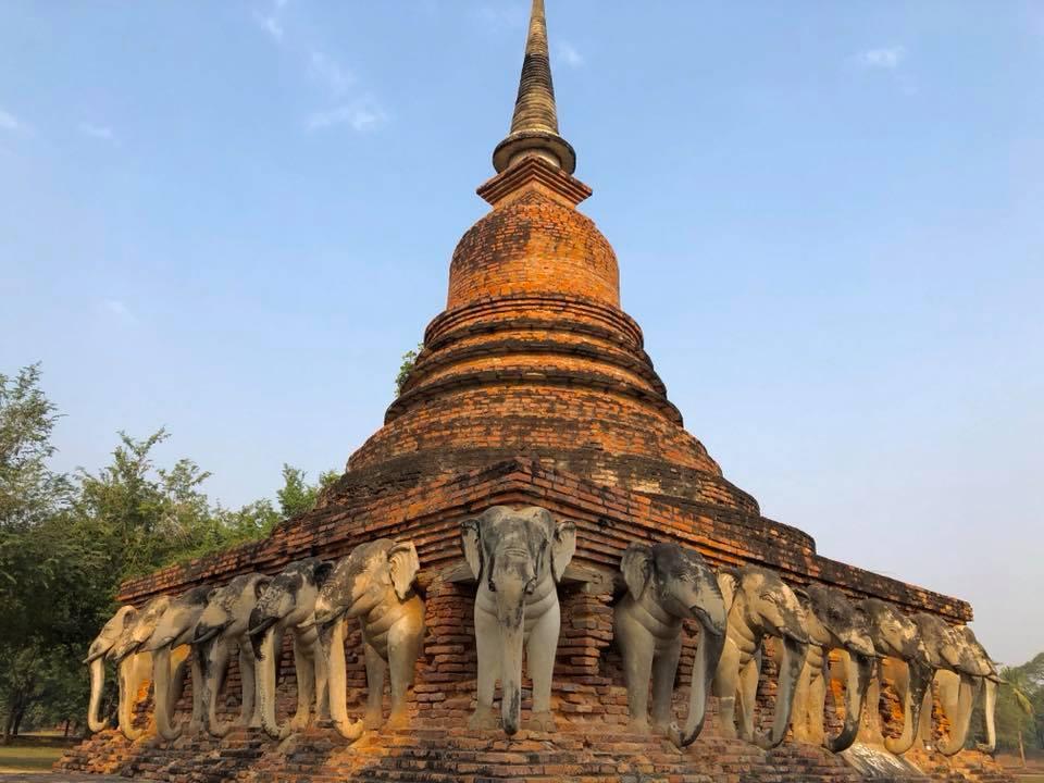 temple sukhothai elephant
