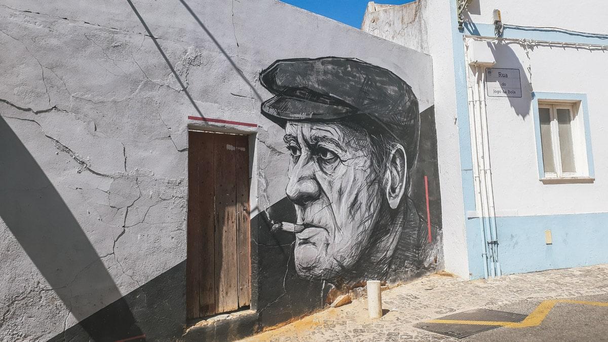 Graffiti sur les murs de Lagos