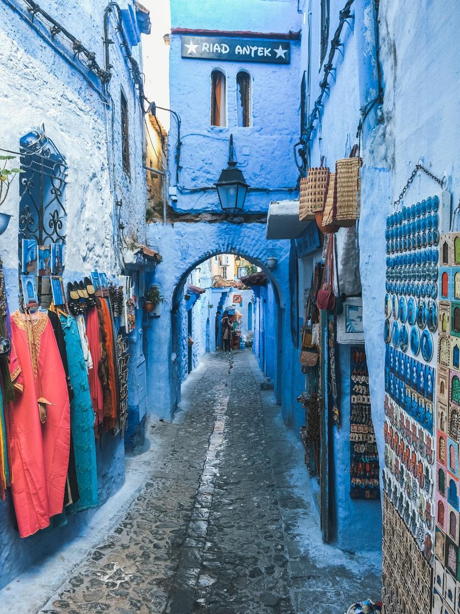 ruelle boutique bleu chefchaouen