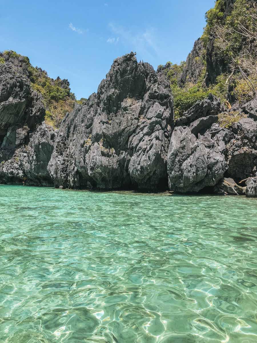 eau rocher lagon el nido