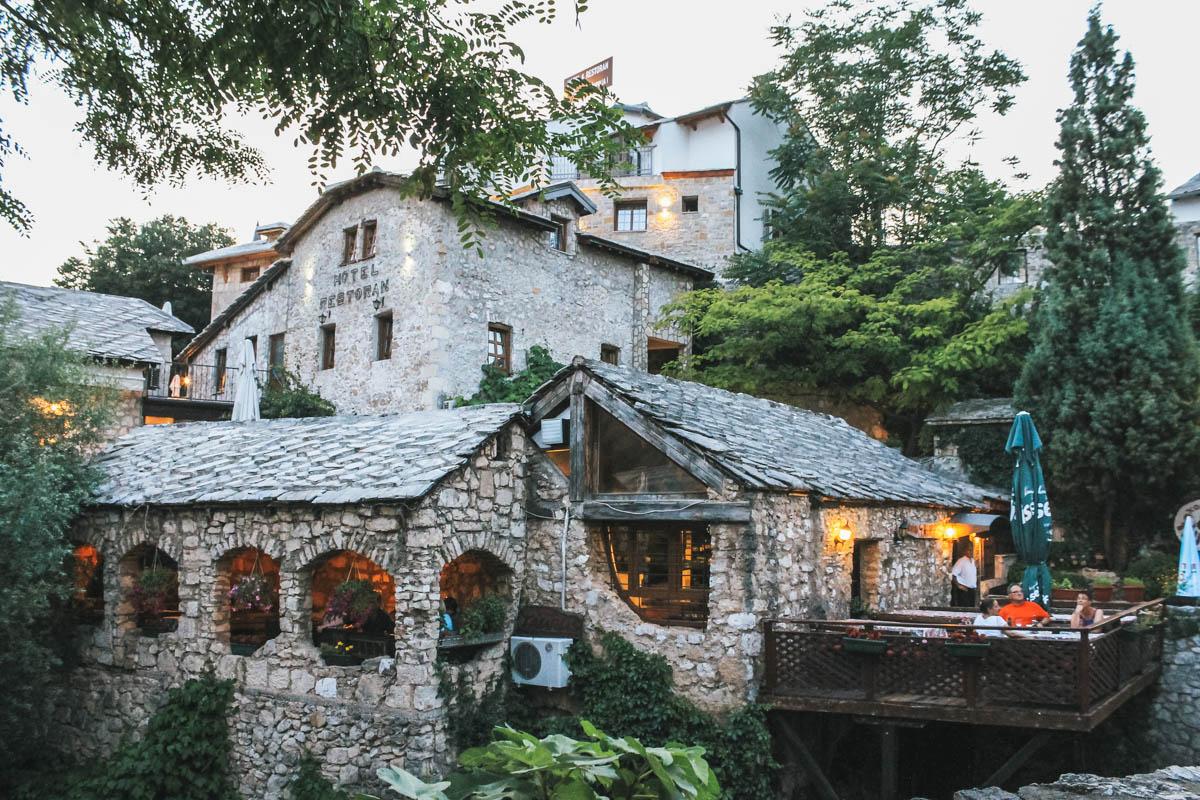 restaurant rivière bosnie mostar
