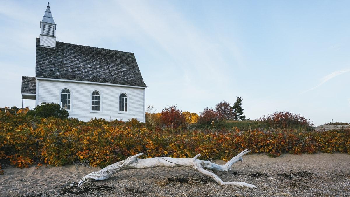 église bois plage québec