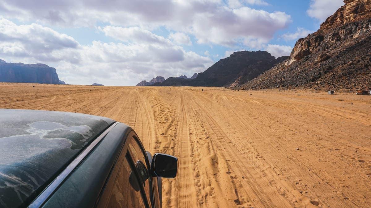 désert jeep sable jordanie