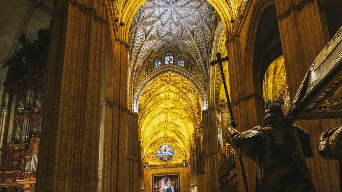 cathédrale nef seville