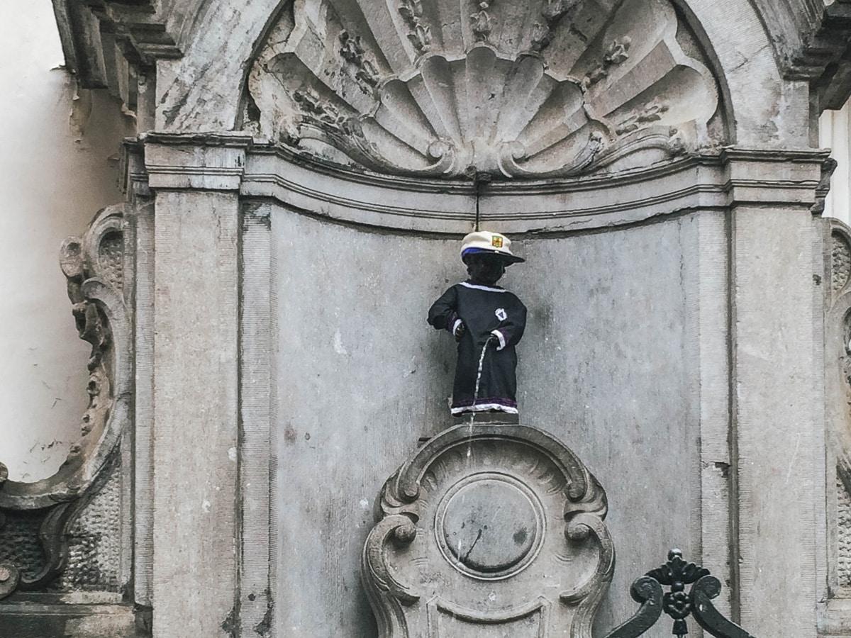 garçon fontaine belgique bruxelles