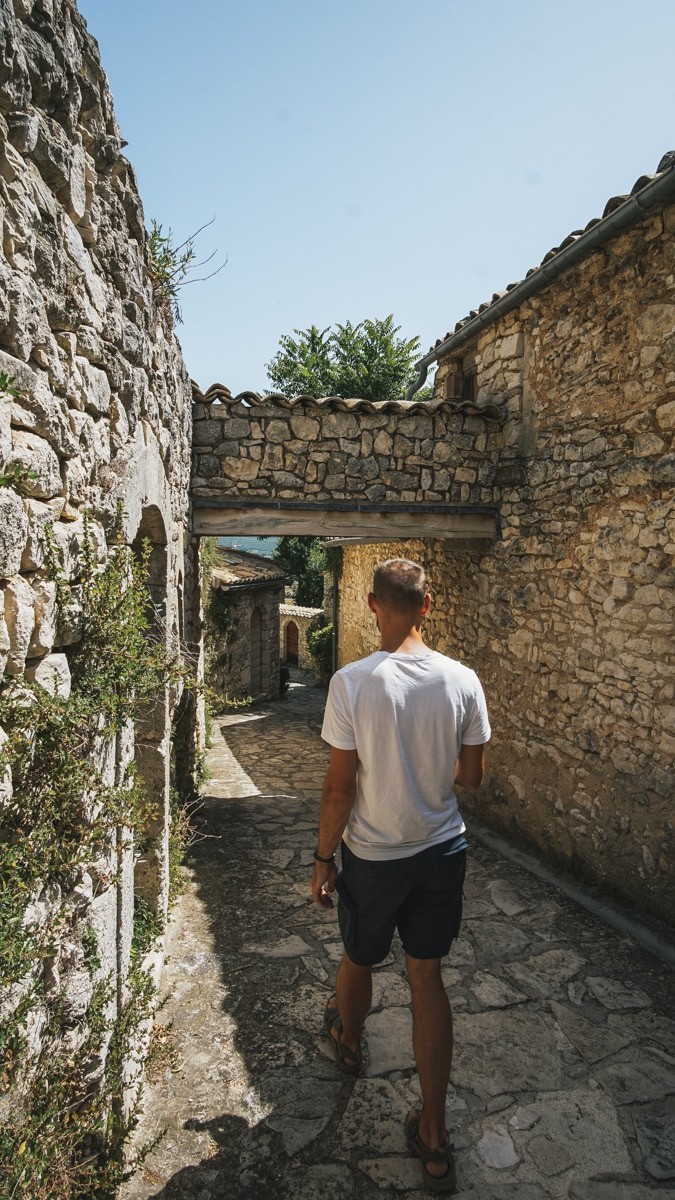 village vaucluse andy