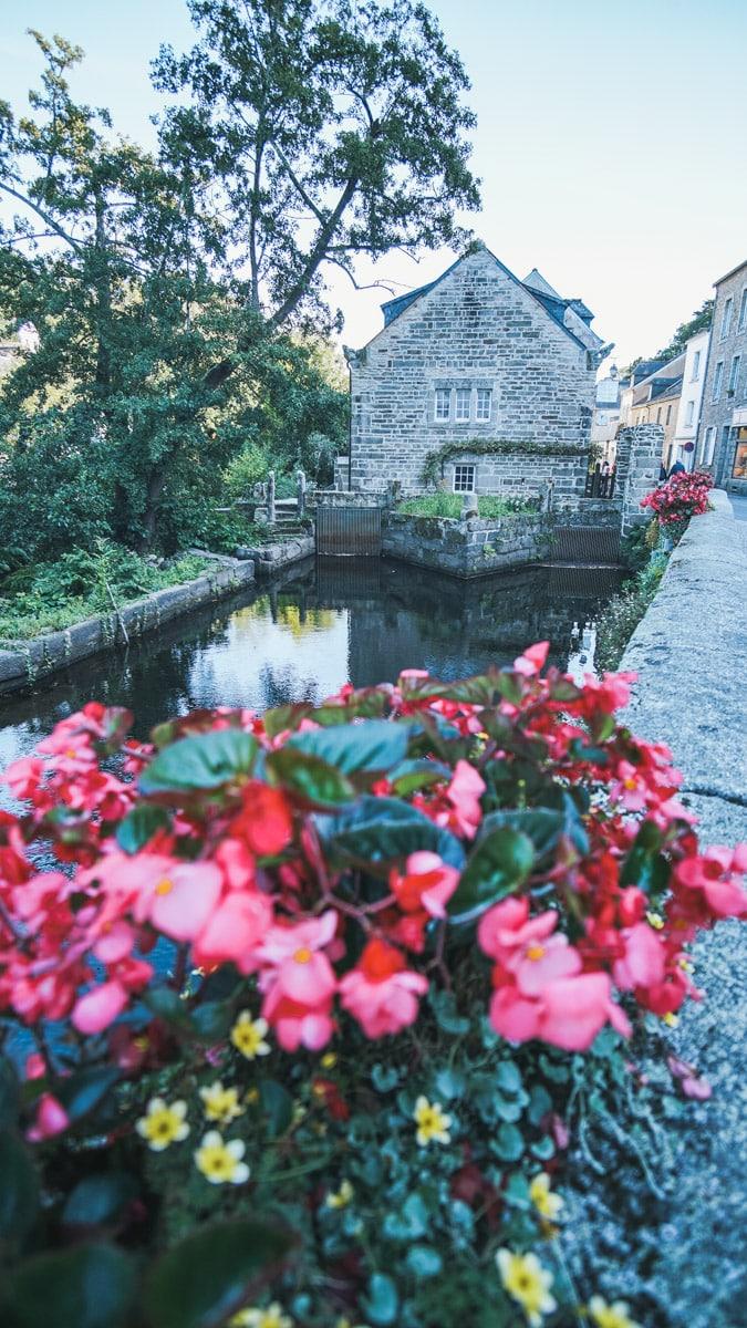 fleurs pont aven finistère rivière