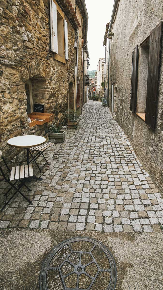 minerve ruelle table