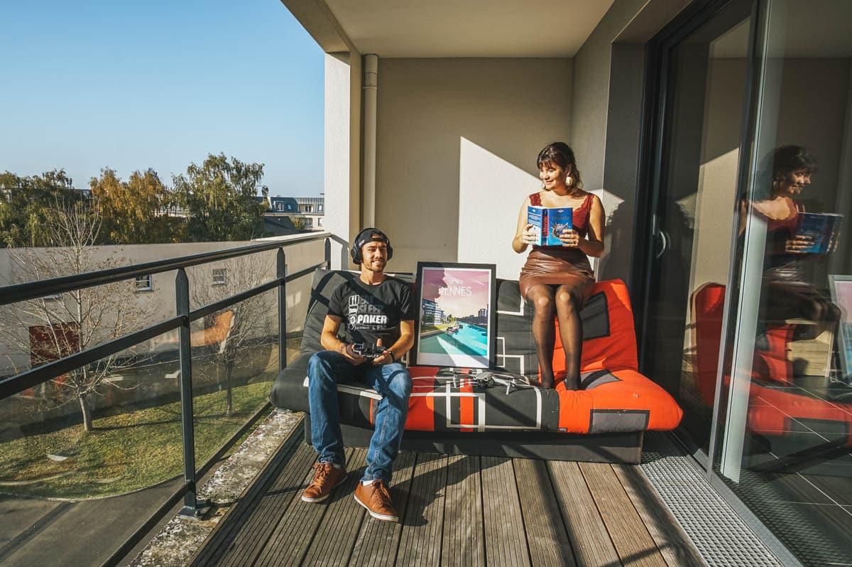 couple canapé terrasse