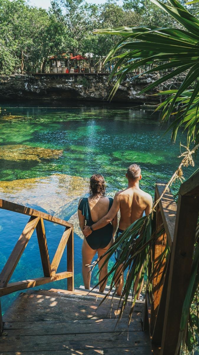 couple cenote