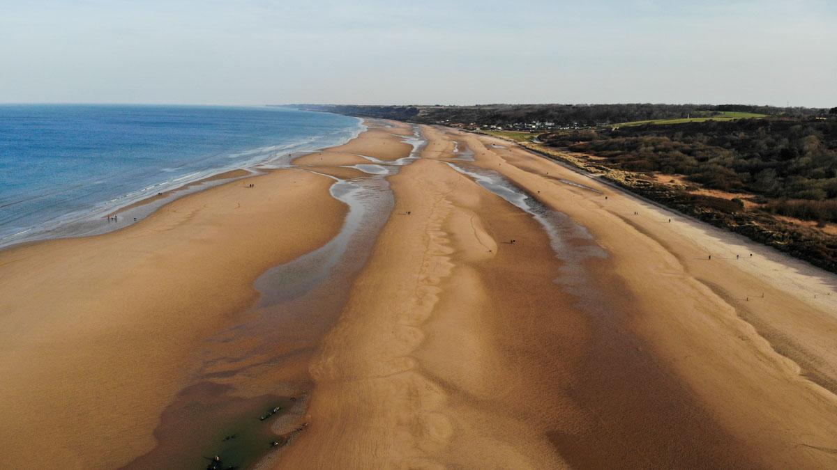 plage mer sable caen
